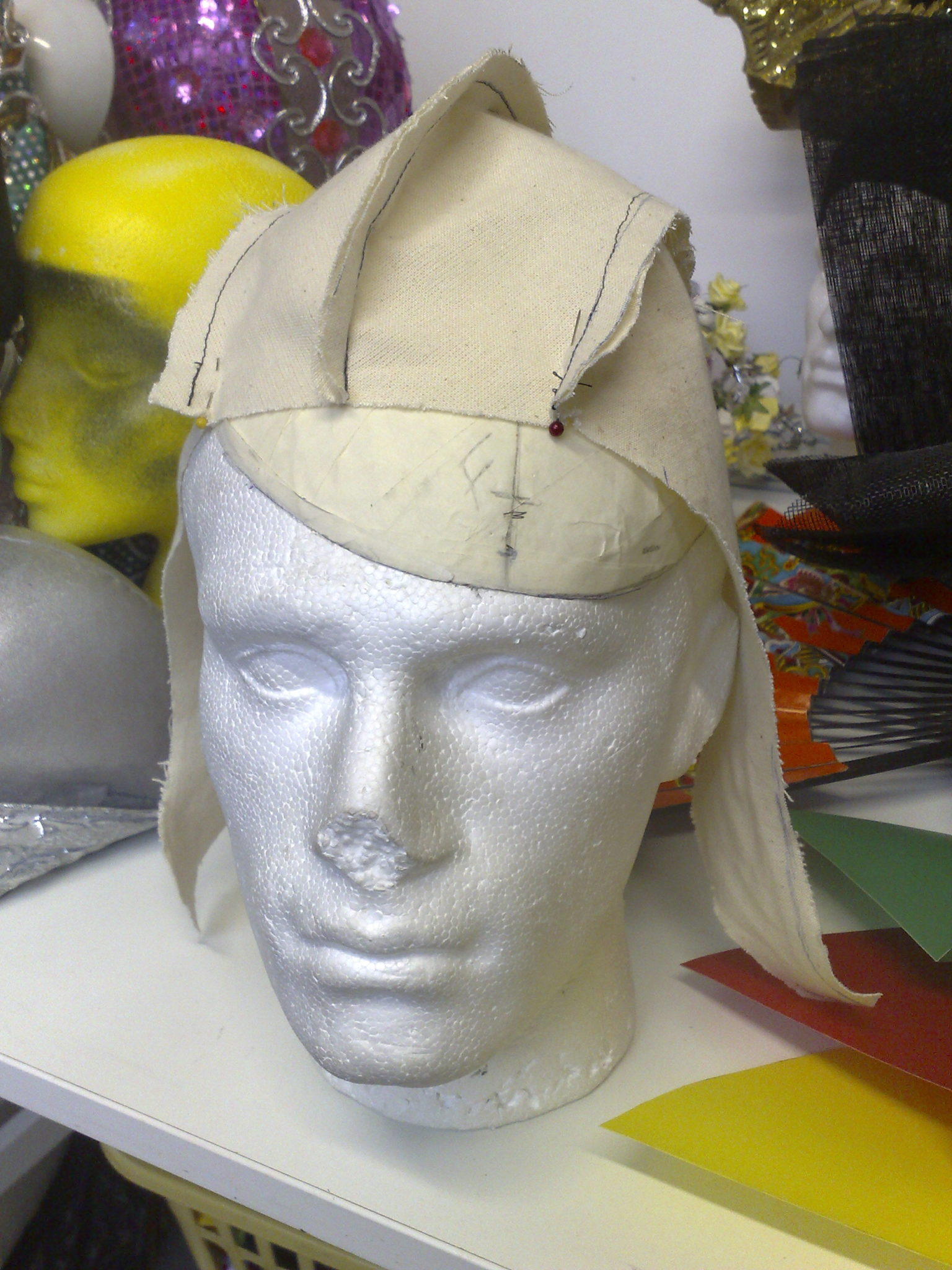 The First of my Mohicans - making a hood with a horse hair mohican